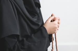 Oración a San Benitopara Pedir su Protección Contra la Envidia