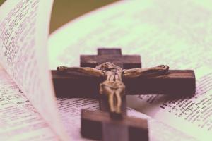 Oración para Alejar las Malas Vibras y las Energías Negativas
